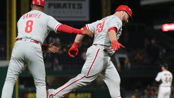 Rupp's homer secures Phillies' victory