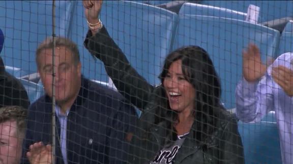 Yelich's mom celebrates her son's homer