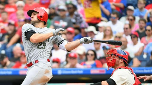 Duvall hits 2 HRs in Reds' win