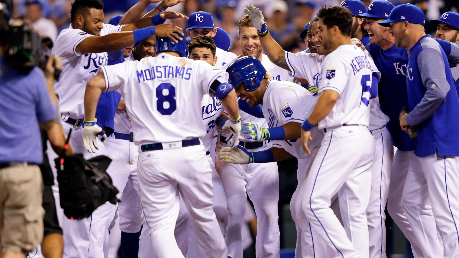 http://a.espncdn.com/media/motion/2017/0607/dm_170606_MLB_Royals_Moustakas_walk_off_home_run223/dm_170606_MLB_Royals_Moustakas_walk_off_home_run223.jpg