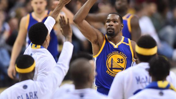 Durant plays hero as Dubs take 3-0 lead