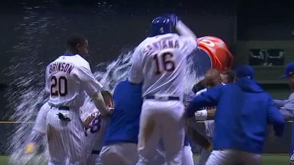 Thames' HR bounces off wall for walk-off