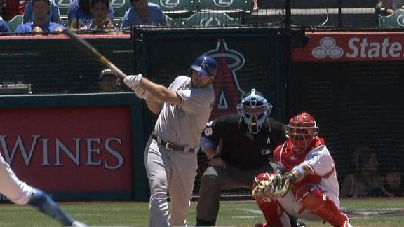 Moustakas delivers base-clearing double