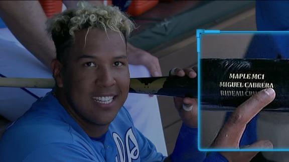 Perez uses Miggy's bat to hit winning grand slam