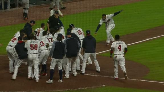 Kemp goes deep to give Braves walk-off win