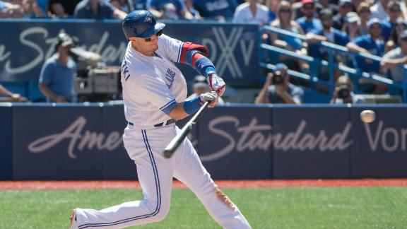 Tulo launches 3-run insurance shot for Blue Jays