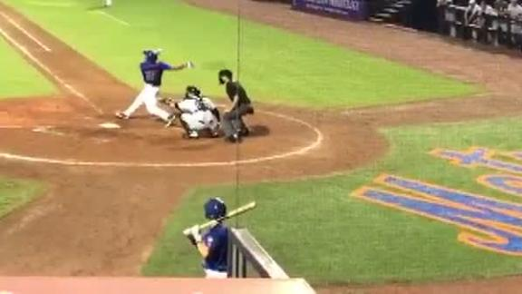 Tebow crushes walk-off homer