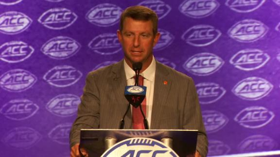 Swinney wants to move past last year's team