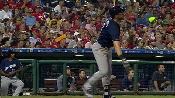 Braun adds to Brewers' lead with HR