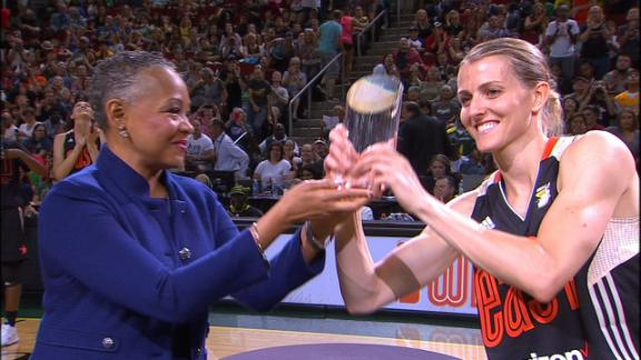 Quigley wins WNBA 3-point contest