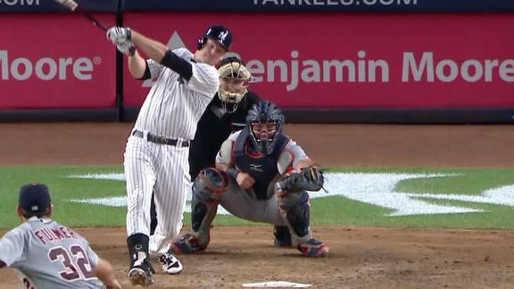 Headley, Frazier spur four-run 4th