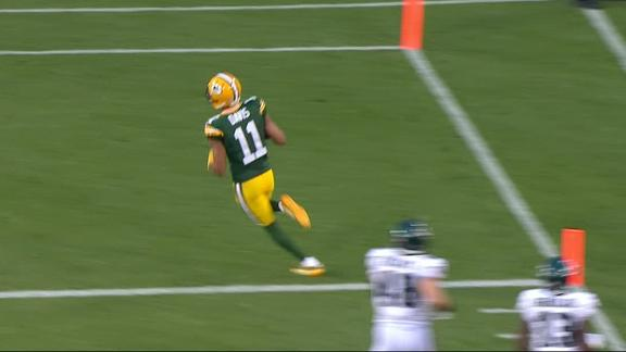 Davis scores on 68-yard punt return for Packers