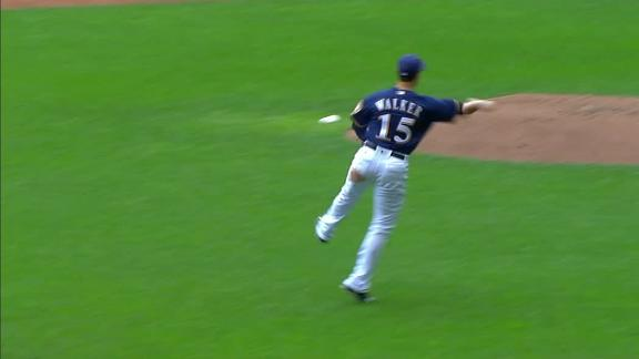 Walker impresses in Brewers debut