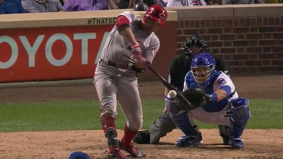 Votto doubles despite four Cubs in outfield