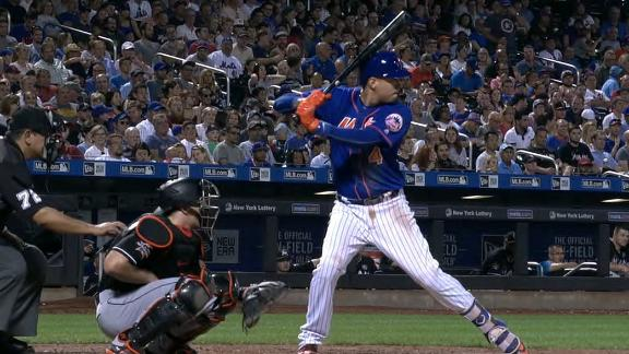 Flores homers in big sixth inning for Mets