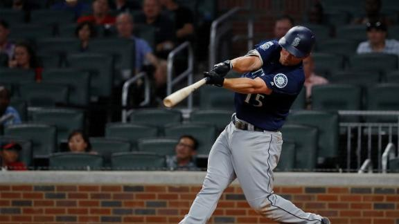 Mariners bust game open with 3-run homer
