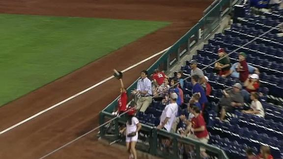 http://a.espncdn.com/media/motion/2017/0823/dm_170823_MLB_PHILLIES_FAN_MAKES_NICE_CATCH/dm_170823_MLB_PHILLIES_FAN_MAKES_NICE_CATCH.jpg