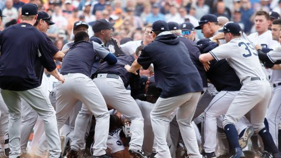 Yankees,Tigers throw down in Detroit