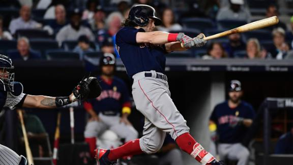 Benintendi leads Red Sox past Yanks