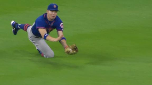 http://a.espncdn.com/media/motion/2017/0915/dm_170915_mlb_mets_nimmo_catch/dm_170915_mlb_mets_nimmo_catch.jpg