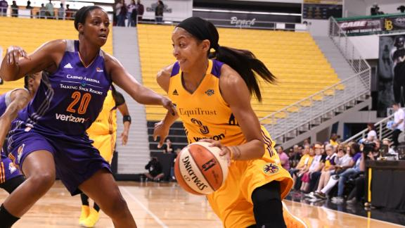 Sparks take 2-0 series lead