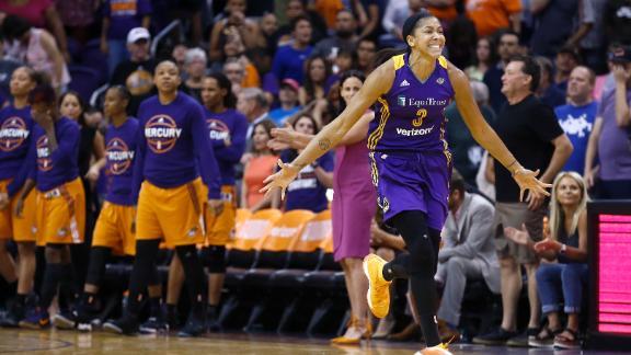 Sparks edge Mercury to cap three-game sweep