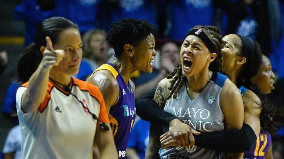 Lynx fend off Sparks to even series