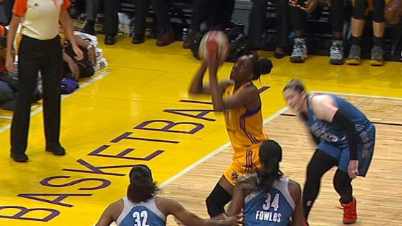 Ogwumike starts hot after struggling in first two games