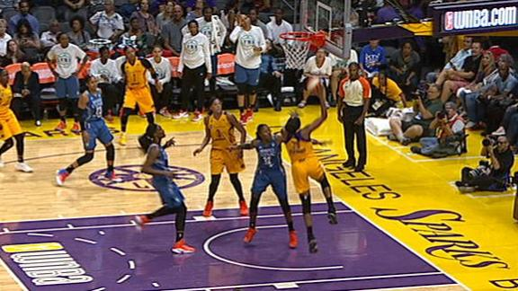 Gray drops no-look dime to Ogwumike