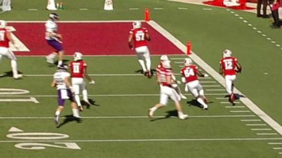 Wisconsin's pick-six widens lead in 4th quarter