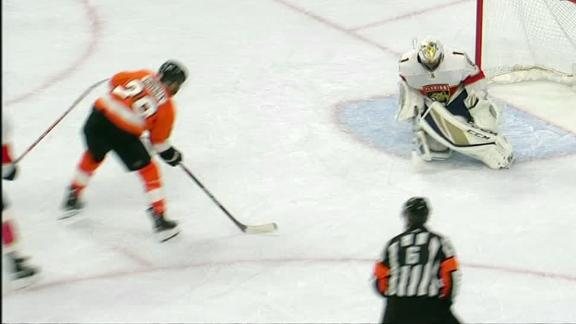 Giroux pours it on for Flyers
