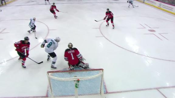 http://a.espncdn.com/media/motion/2017/1021/dm_171021_nhl_sharks_pavelski_goal/dm_171021_nhl_sharks_pavelski_goal.jpg