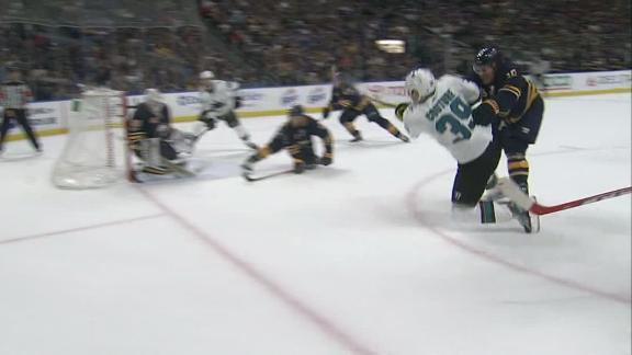 Couture scores late goal to lift Sharks