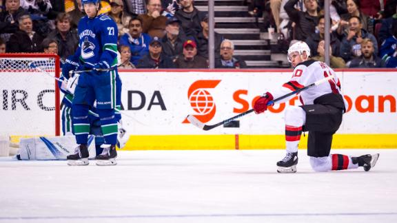 http://a.espncdn.com/media/motion/2017/1102/dm_171102_NHL_Devils_Hayes_goal/dm_171102_NHL_Devils_Hayes_goal.jpg
