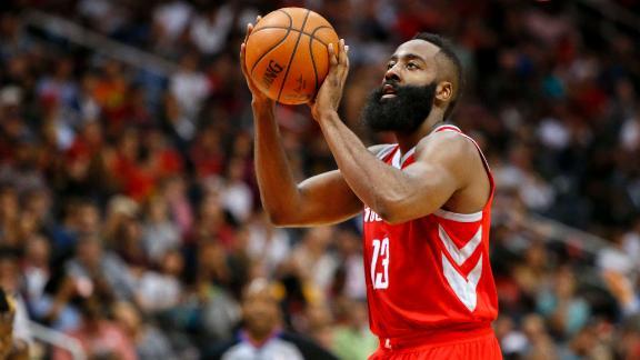 Rockets roll against Hawks