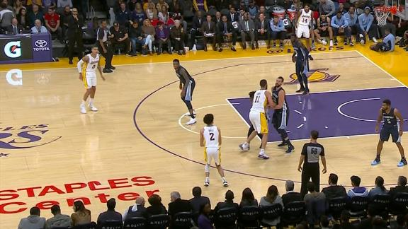 Lakers knock down five consecutive 3s