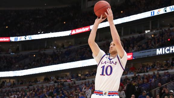 Kansas squeaks by Kentucky in Champions Classic