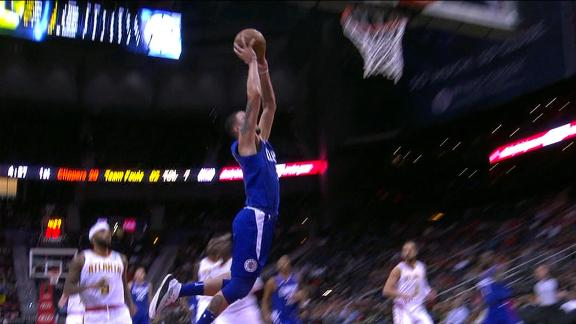 Rivers throws it down off a steal