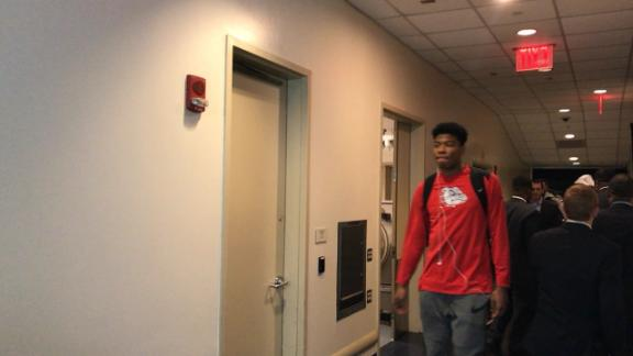 The Gonzaga Bulldogs arrive at Madison Square Garden and have to sidestep