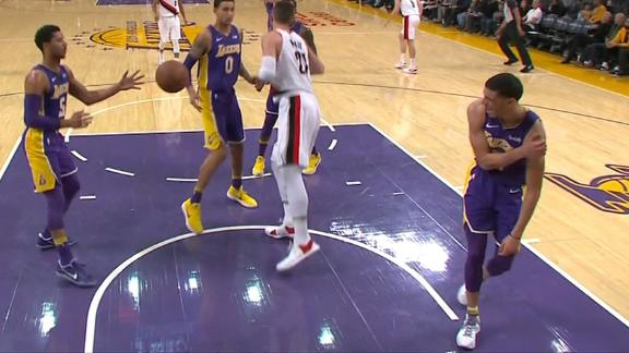 http://a.espncdn.com/media/motion/2017/1224/dm_171224_nba_lonzo_injury/dm_171224_nba_lonzo_injury.jpg