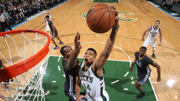 Durant and Giannis meet in clash of NBA greats