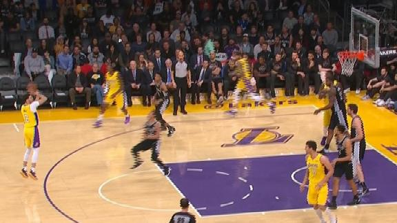 Lonzo unstoppable from downtown