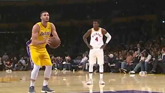 Lakers go cold from the line