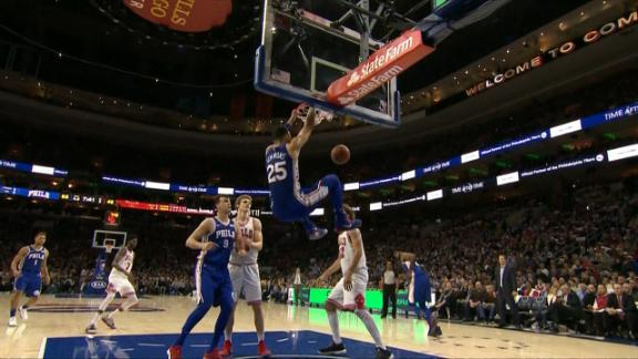 Simmons continues dominance with powerful dunk