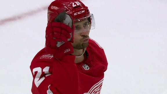 Tatar celebrates great shootout goal like Salt Bae