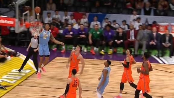 Smith feeds Collins on alley-oop