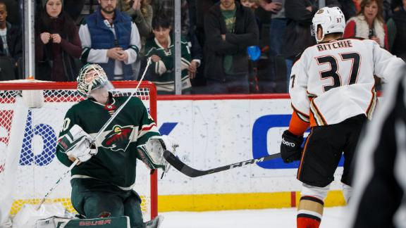 Ducks win in 11th round of shootout