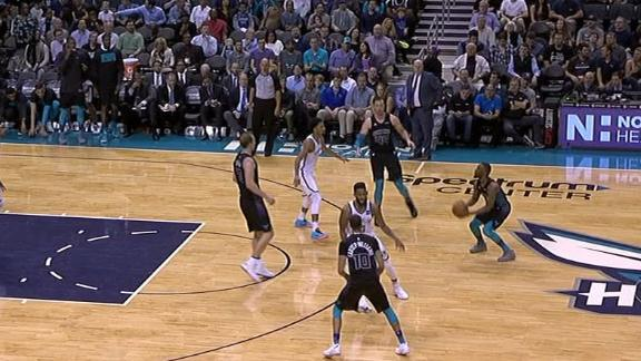 Kemba's big fourth quarter fuels Hornets' win