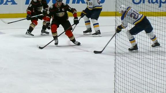 Berglund's goal adds on to Blues' lead