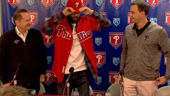 Phillies introduce Arrieta